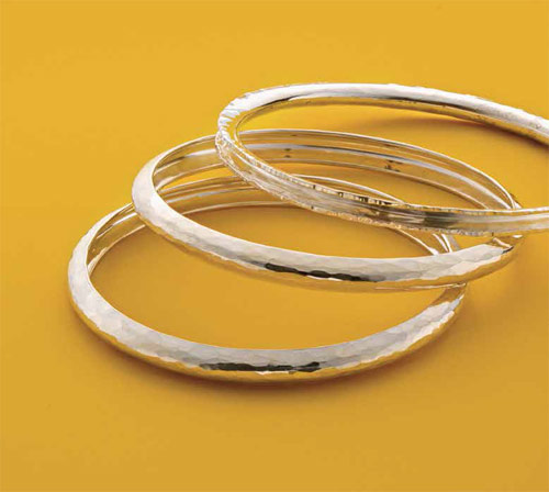 If you like bracelet making, then you'll LOVE the Deluxe Fretz Bangle Tool Collection that makes creating precise metal texture a pleasure!